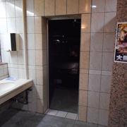 トイレドア取り付け工事